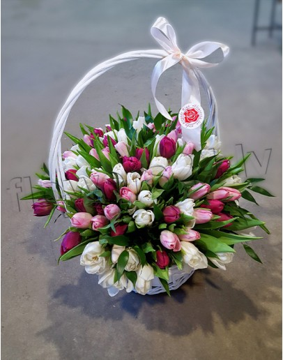 White basket with 101 tulip